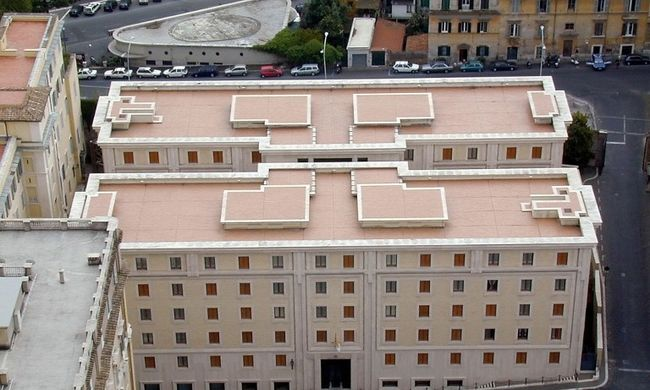 Holtan találták a pápa terhes recepciósát