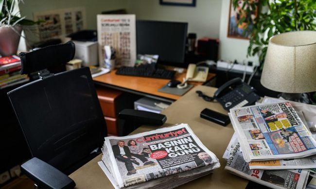 Szabadon engedik a kémkedéssel vádolt újságírókat