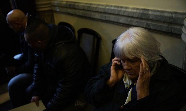 Lemondatná a képviselőtestület Erdősiné férjét