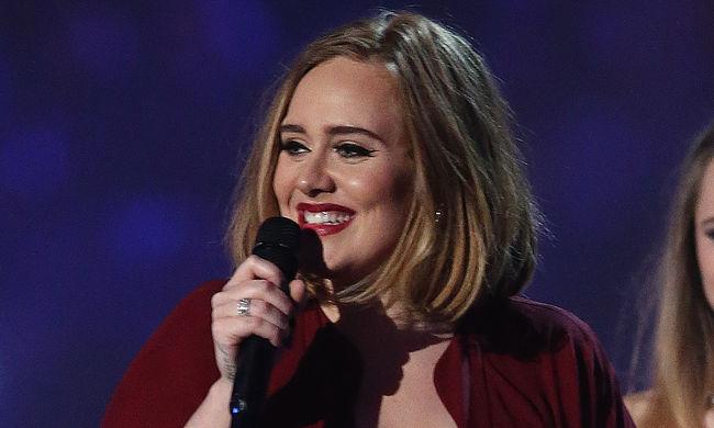 Adele mindent vitt a brit zenei díjátadón