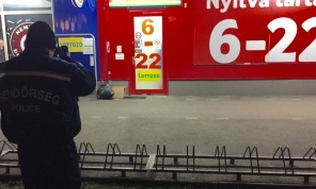 Késsel akart kirabolni egy dohányboltot, de az eladó sikított, ezért elfutott