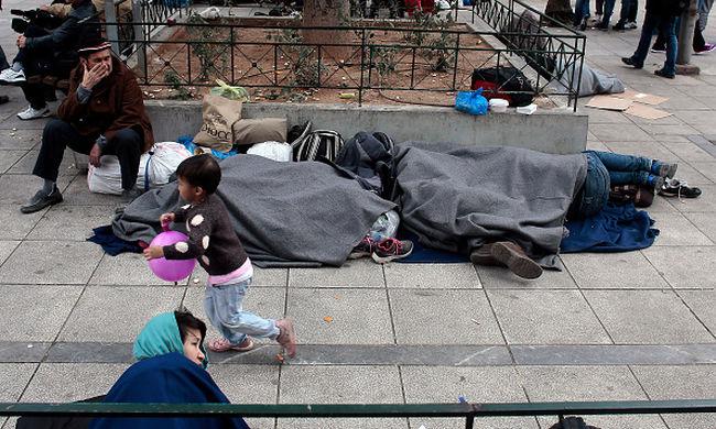Kampányt kezdenek, hogy ne menjenek migránsok Ausztriába