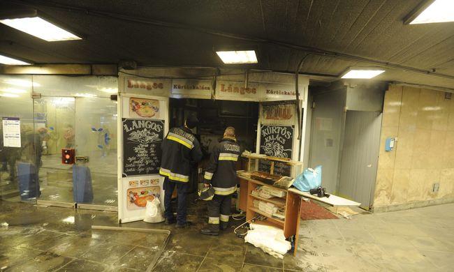Égett a lángossütő a metróaluljáróban