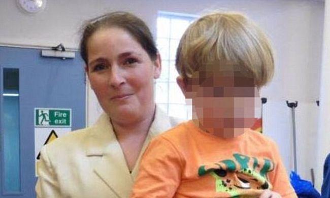 Három napig élt anyja holtteste mellett egy kisgyerek