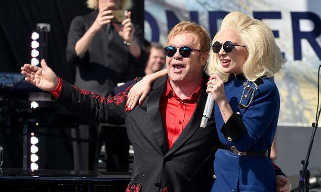 Ingyenkoncertet adott Elton John