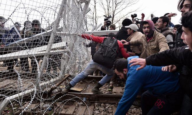 Feszültség a határon, Merkel kitart a migránsok szétosztása mellett