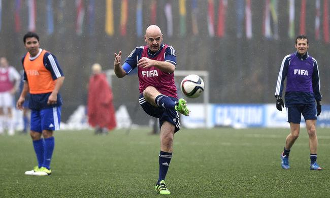 Állítólag még a fizetését sem tudja a FIFA új elnöke