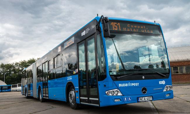 Tizenöt új alacsonypadlós busz áll forgalomba Budapesten