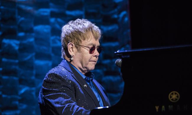 Elton John fotógyűjteményéből rendez kiállítást a világhírű galéria