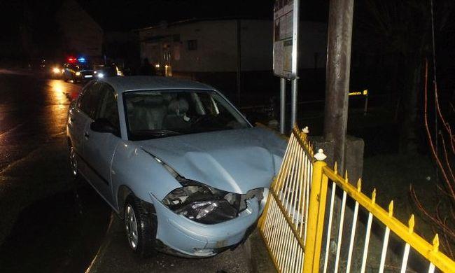 Részegen autóztak, majd megtámadták az őket igazoltató rendőröket