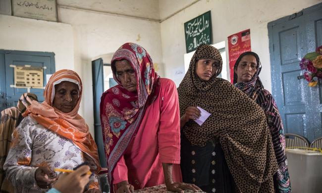 Iszlámellenesnek találták a nőket védő törvényt