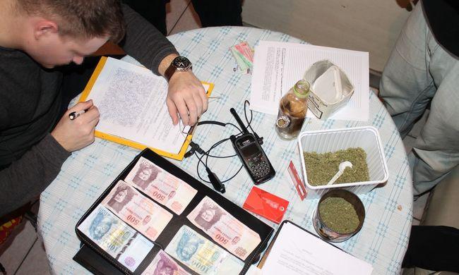 Új, drogot árulnak az utcán