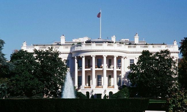 Kritikus állapotban van a férfi, akit a Fehér Ház előtt lőttek le