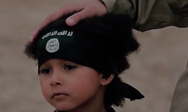 Sokkoló videó: fiatalkorú dzsihadisták végeztek ki két katonát