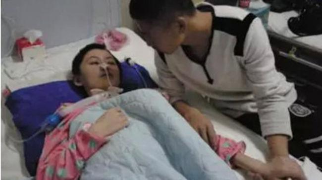 Nyolc hónap kómából ébredt fel a lány, barátja végig ápolta - most kiderült, ő ütötte le