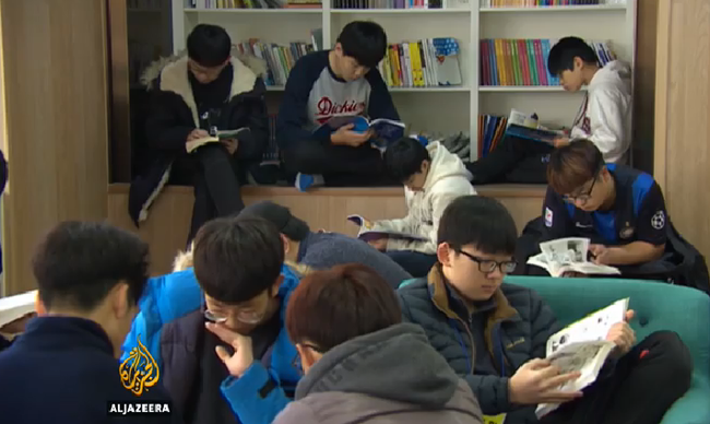 Elvonóra küldik a mobilfüggő tinédzsereket