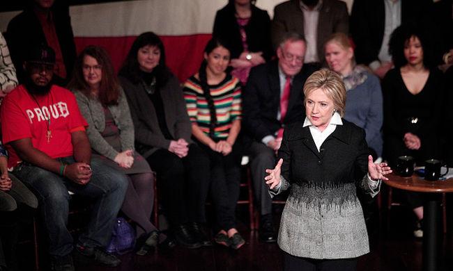 Kisfiú kérdezte Clintont a tévévitán