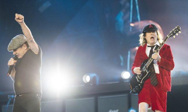 Az AC/DC leállította amerikai turnéját, mert énekese megsüketülhet