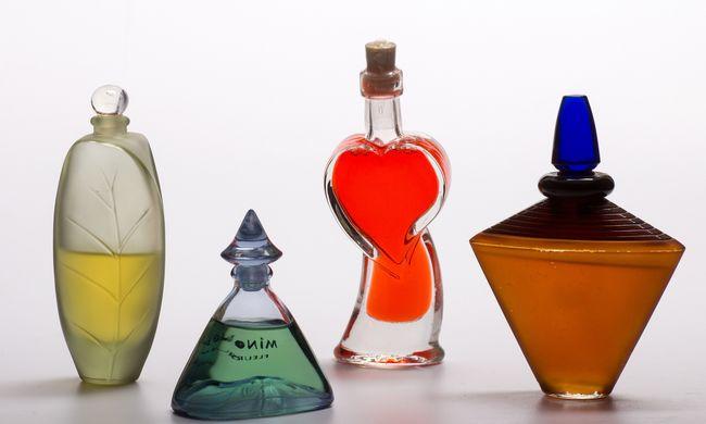Hamis parfümszállítmányt foglaltak le Vámosszabadinál