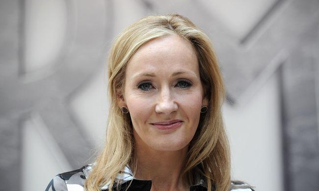 Négy részben mutatja be egy varázslóiskola történetét J. K. Rowling a honlapján