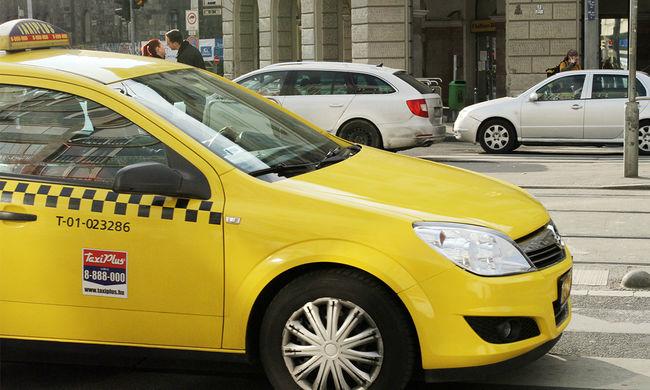 Kigyulladt a taxija az Erzsébet hídnál, amikor menekült