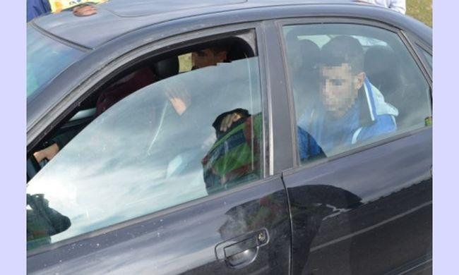 20 éves embercsempészt fogtak el a rendőrök