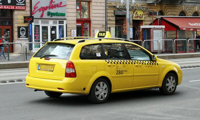Újabb taxistüntetés kezdődik reggel