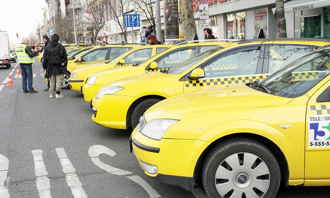 Újra élesedik a taxis-Uber vita