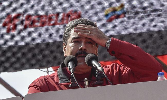Venezuelában megbüntetik az áramot nem termelő bevásárlóközpontokat
