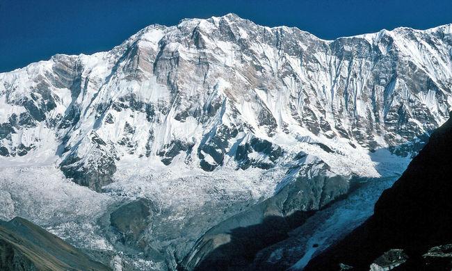 Tombol a hóvihar, hegymászók vesztették életüket