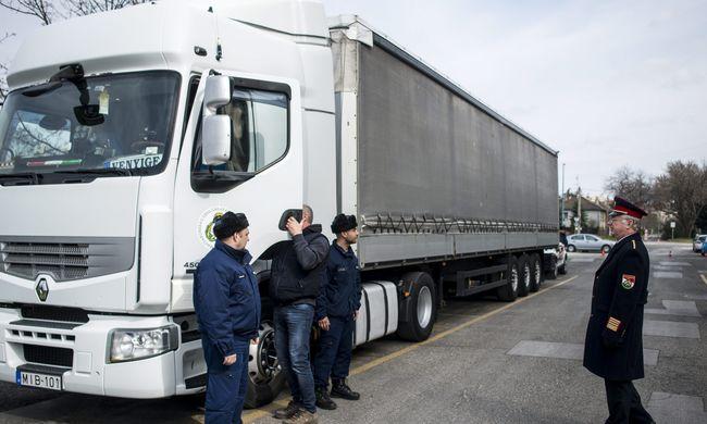 Ezer tábori ágyat küld a magyar katasztrófavédelem Görögországba
