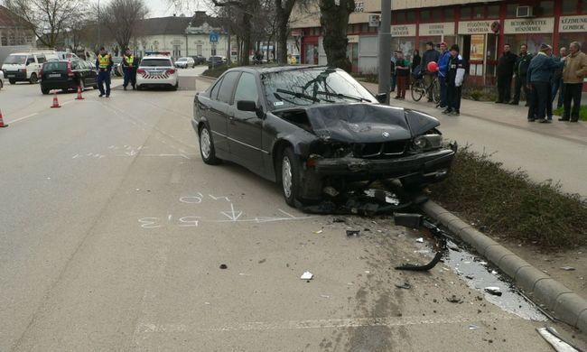 BMW-vel ment kocsit feltörni, aztán karambolozott egy másik városban