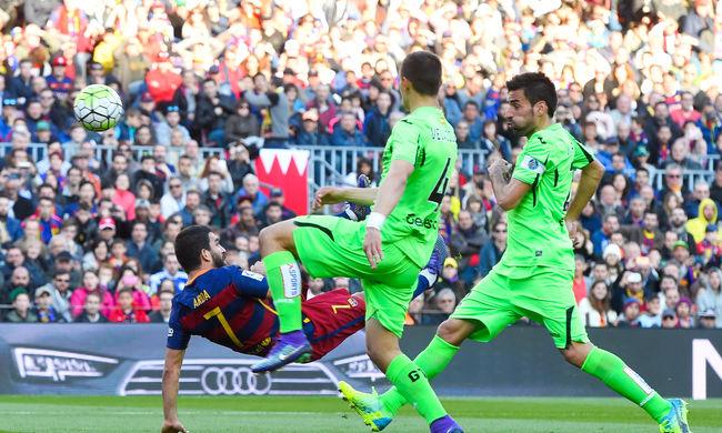 Messi három gólpasszt adott, gálázott a Barcelona - videó