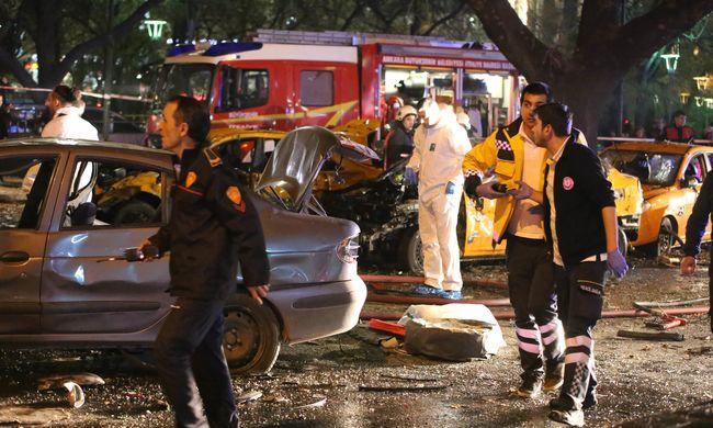 Legalább 34 halott a törökországi robbantásokban, 125 ember megsérült - videó