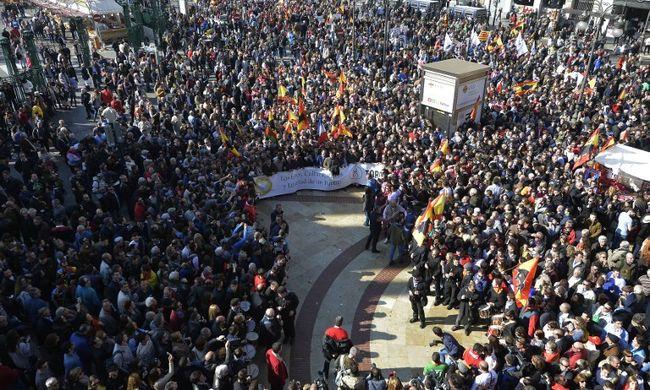Ezrek tüntettek a bikaviadalokért