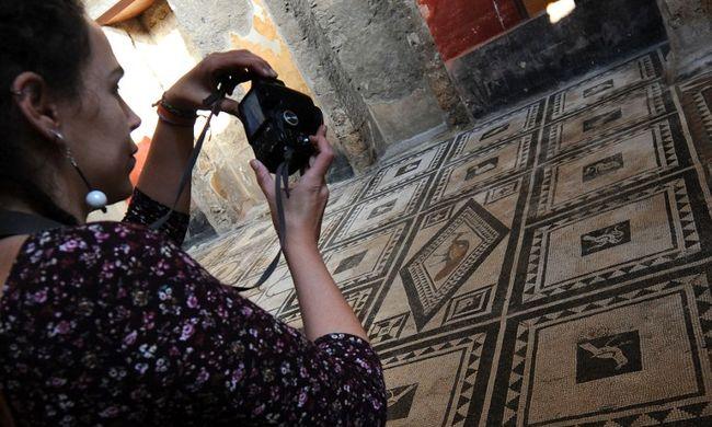 Újabb ókori villákat nyitottak meg Pompejiben