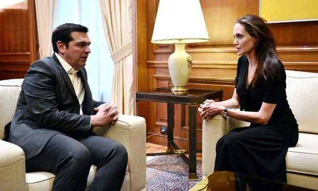 Emiatt utazott Angelina Jolie Görögországba
