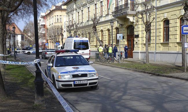 Kalasnyikovval lövöldözött egy férfi a kiskunhalasi ügyészségen