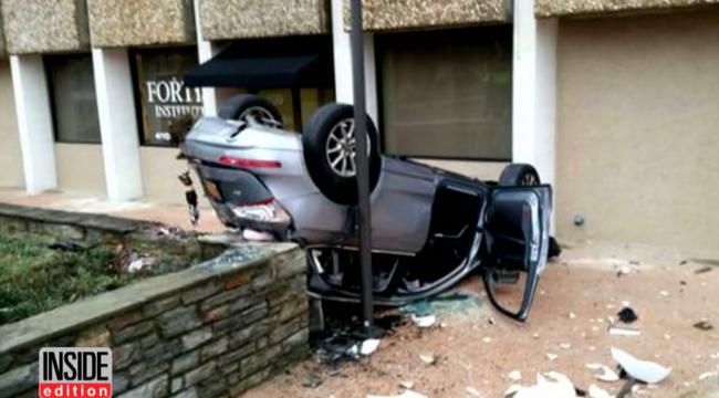 Négy emeletet zuhant a kocsijával fejjel lefelé, túlélte - videó