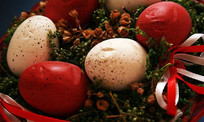 Az idős Margitot horogkeresztes húsvéti tojásai miatt büntetik