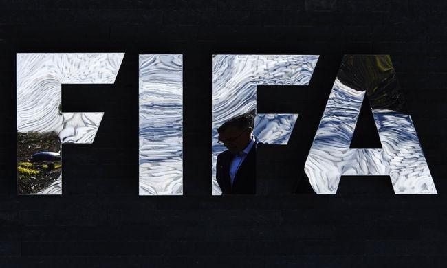Engedélyezte a negyedik cserét a FIFA