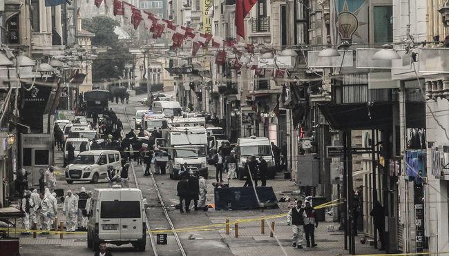 Öt halottja és 36 sérültje van a terrortámadásnak