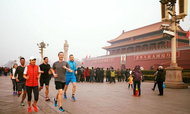 Kínában nem lehet facebookozni, a propagandafőnök Zuckerbergnek mégis dicsérte az oldalt