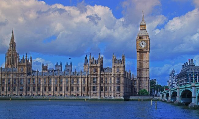Londonban akár tíz egyidejű terrortámadásra is felkészültek