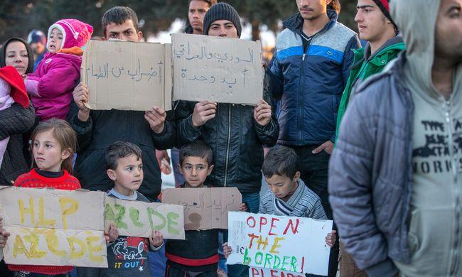 Hiába állapodtak meg, nem tudják visszaküldeni a migránsokat Törökországba