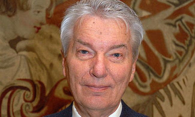 Vizi E. Szilveszter lemond a román kitüntetéséről