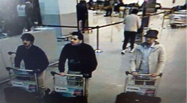 A poggyászaikba rejtették a bombát