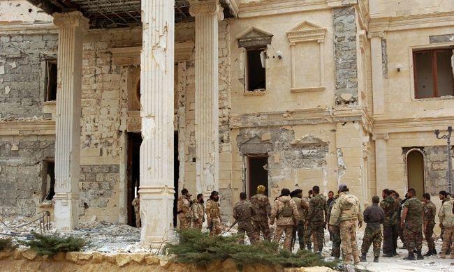 Visszafoglalták az Iszlám Államtól a palmürai citadellát