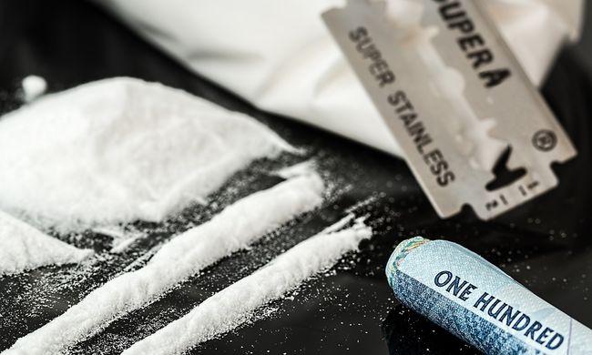 Kokaint találtak egy stewardess táskájában