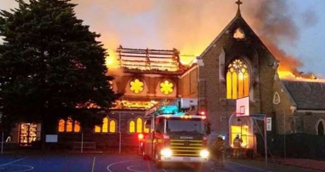 Többet költ az egyház egyetlen templom felújítására, mint a pedofil papok 326 áldozatának kártalanítására